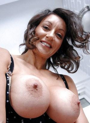 रेशमी सलवार वाली चाची के साथ सेक्स का मजा