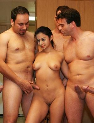 पति के दोस्तों के साथ मनायी सुहागरात-2
