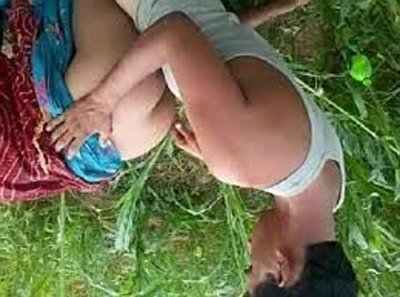 माँ और ताउजी की खेत में चुदाई